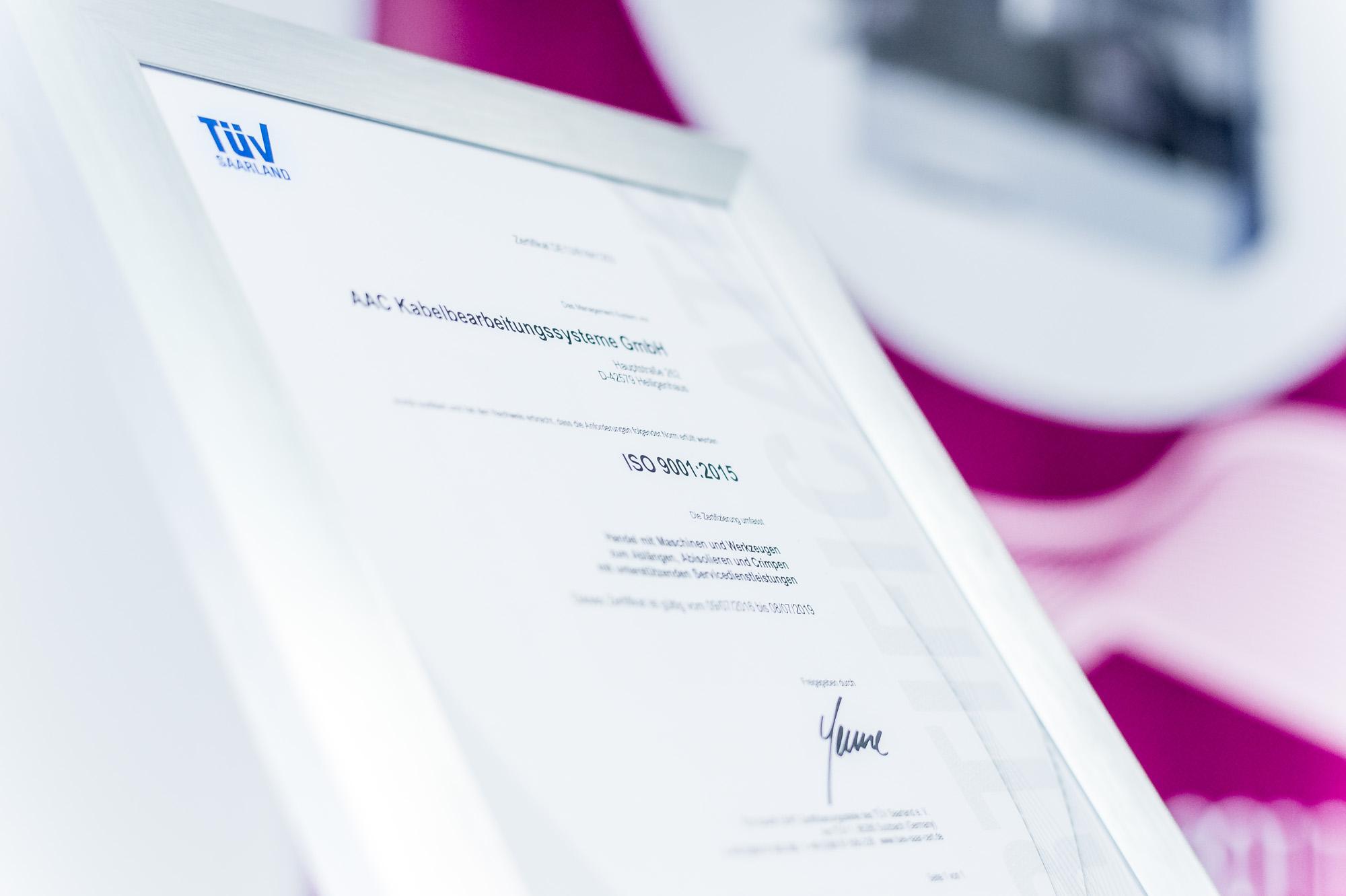 Unsere Prozesse und Abläufe sind natürlich nach ISO 9001 zertifiziert. Die Zertifizierung wird kontinuierlich beobachtet und erneuert.