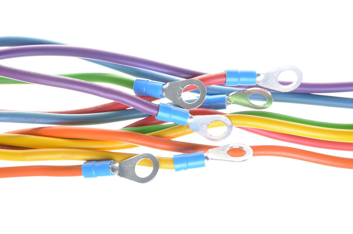 Mit unserer Kabelbearbeitungstechnik verarbeiten Sie Ringkabelschuhe, Stiftkabelschuhe, Aderendhülsen, Leitungen und Kabel.